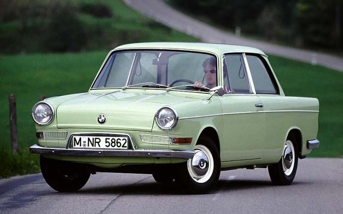 BMW 700 2