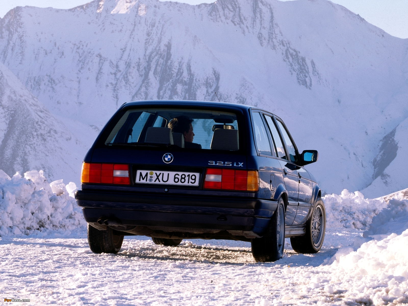 wallpapers_bmw_3_series_e30_1988_1